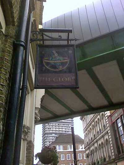 The Globe Pub Sign